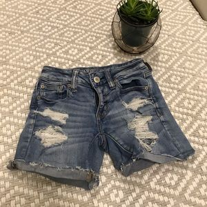 American Eagle distressed shorts size 0